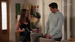 Bea Nilsson, Finn Kelly in Neighbours Episode 8149