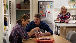 Amy Williams, Gary Canning, Sheila Canning in Neighbours Episode 8152