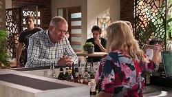 Kyle Canning, Clive Gibbons, Sheila Canning in Neighbours Episode 8153