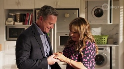 Paul Robinson, Terese Willis in Neighbours Episode 8153