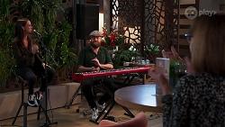 Bea Nilsson, Keyboardist in Neighbours Episode 8165