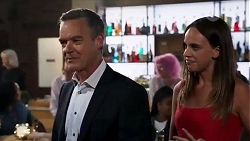 Paul Robinson, Bea Nilsson in Neighbours Episode 8166