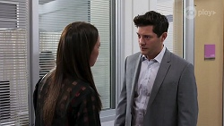 Bea Nilsson, Finn Kelly in Neighbours Episode 8167