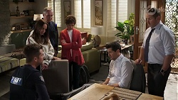 Mark Brennan, Bea Nilsson, Karl Kennedy, Susan Kennedy, Finn Kelly, Toadie Rebecchi in Neighbours Episode 8168