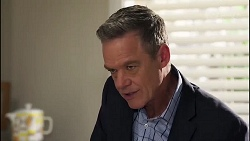 Paul Robinson in Neighbours Episode 8170