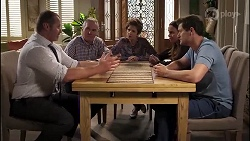 Toadie Rebecchi, Karl Kennedy, Susan Kennedy, Bea Nilsson, Finn Kelly in Neighbours Episode 8172
