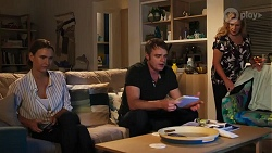 Amy Williams, Gary Canning, Sheila Canning in Neighbours Episode 8174
