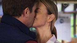 Kyle Canning, Amy Williams in Neighbours Episode 8174