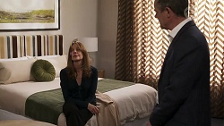 Gail Robinson, Paul Robinson in Neighbours Episode 8175