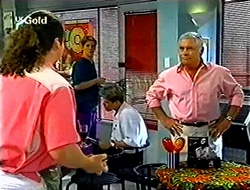 Toadie Rebecchi, Lance Wilkinson, Lou Carpenter in Neighbours Episode 2791