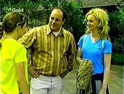 Hannah Martin, Philip Martin, Lisa Elliot in Neighbours Episode 2792