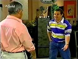 Lou Carpenter, Toadie Rebecchi in Neighbours Episode 2792