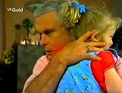 Lou Carpenter, Louise Carpenter (Lolly) in Neighbours Episode 2792