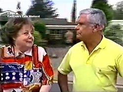 Marlene Kratz, Lou Carpenter in Neighbours Episode 2805