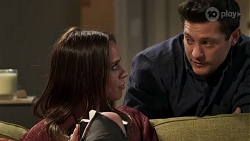 Bea Nilsson, Finn Kelly in Neighbours Episode 8177