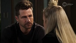 Mark Brennan, Roxy Willis in Neighbours Episode 8178