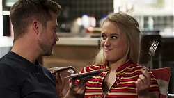 Mark Brennan, Roxy Willis in Neighbours Episode 8179