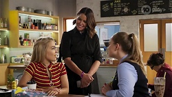 Roxy Willis, Elly Conway, Harlow Robinson in Neighbours Episode 8180