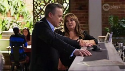Paul Robinson, Terese Willis in Neighbours Episode 8181