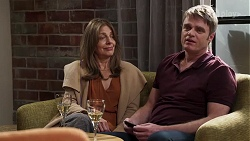 Gail Robinson, Gary Canning in Neighbours Episode 8182