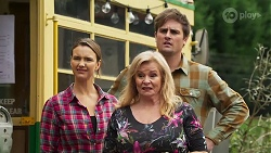 Amy Williams, Sheila Canning, Kyle Canning in Neighbours Episode 8186