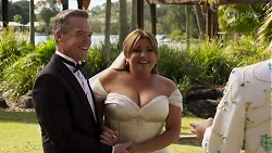 Paul Robinson, Terese Willis in Neighbours Episode 8187