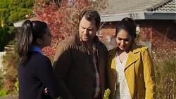 Yashvi Rebecchi, Shane Rebecchi, Dipi Rebecchi in Neighbours Episode 8189
