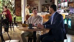 Hendrix Greyson, Pierce Greyson, Chloe Brennan in Neighbours Episode 8190