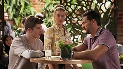 Hendrix Greyson, Chloe Brennan, Pierce Greyson in Neighbours Episode 8191