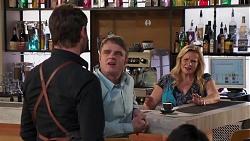 Shane Rebecchi, Gary Canning, Sheila Canning in Neighbours Episode 8192