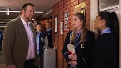 Marty Muggleton, Mackenzie Hargreaves, Yashvi Rebecchi, Ollie Sudekis, Richie Amblin in Neighbours Episode 8193