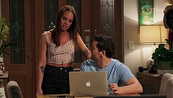 Bea Nilsson, Finn Kelly in Neighbours Episode 8194