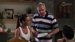 Bea Nilsson, Karl Kennedy, Finn Kelly in Neighbours Episode 8195