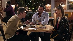 Hendrix Greyson, Pierce Greyson, Chloe Brennan in Neighbours Episode 8195
