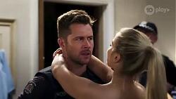 Mark Brennan, Roxy Willis in Neighbours Episode 8198