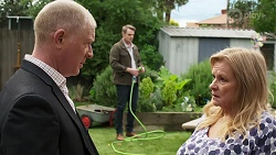 Clive Gibbons, Sheila Canning, Gary Canning in Neighbours Episode 8199