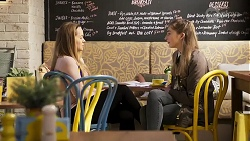 Harlow Robinson, Mackenzie Hargreaves in Neighbours Episode 8200