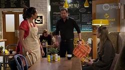 Dipi Rebecchi, Shane Rebecchi, Mackenzie Hargreaves in Neighbours Episode 8202