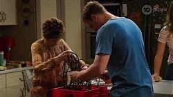 Susan Kennedy, Kyle Canning, Scarlett Brady in Neighbours Episode 8202