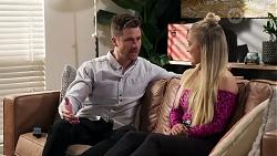 Mark Brennan, Roxy Willis in Neighbours Episode 8203
