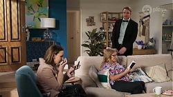 Amy Williams, Sheila Canning, Gary Canning in Neighbours Episode 8204