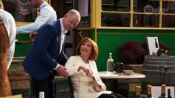 Kyle Canning, Clive Gibbons, Beverly Robinson in Neighbours Episode 8204