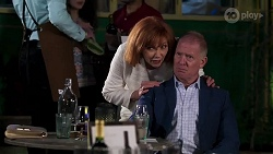 Beverly Robinson, Clive Gibbons in Neighbours Episode 8204