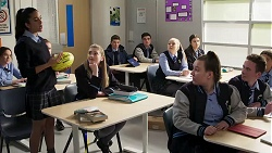 Yashvi Rebecchi, Mackenzie Hargreaves, Hendrix Greyson in Neighbours Episode 8206