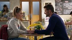 Dipi Rebecchi, Chloe Brennan, Pierce Greyson in Neighbours Episode 8206
