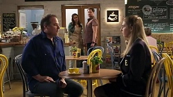 Grant Hargreaves, Dipi Rebecchi, Shane Rebecchi, Mackenzie Hargreaves in Neighbours Episode 8207