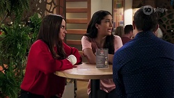 Bea Nilsson, Yashvi Rebecchi, Finn Kelly in Neighbours Episode 8207