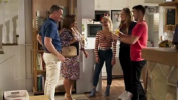 Paul Robinson, Terese Willis, Roxy Willis, Harlow Robinson, David Tanaka in Neighbours Episode 8208