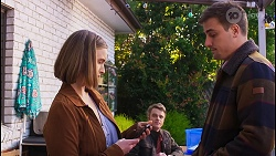 Amy Williams, Gary Canning, Kyle Canning in Neighbours Episode 8209