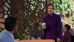 Pierce Greyson, Susan Kennedy in Neighbours Episode 8210